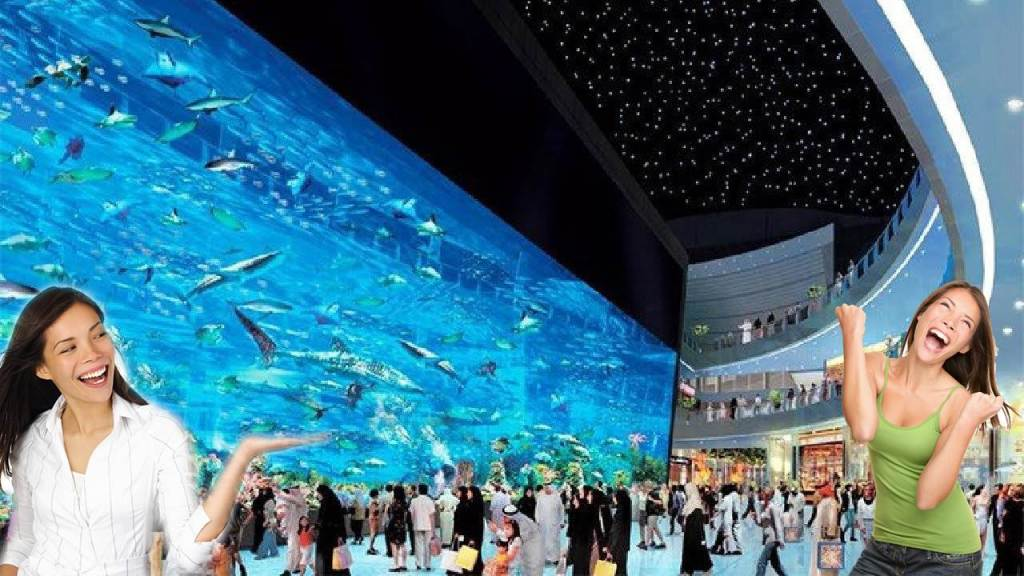 The huge aquarium in Dubai shopping center